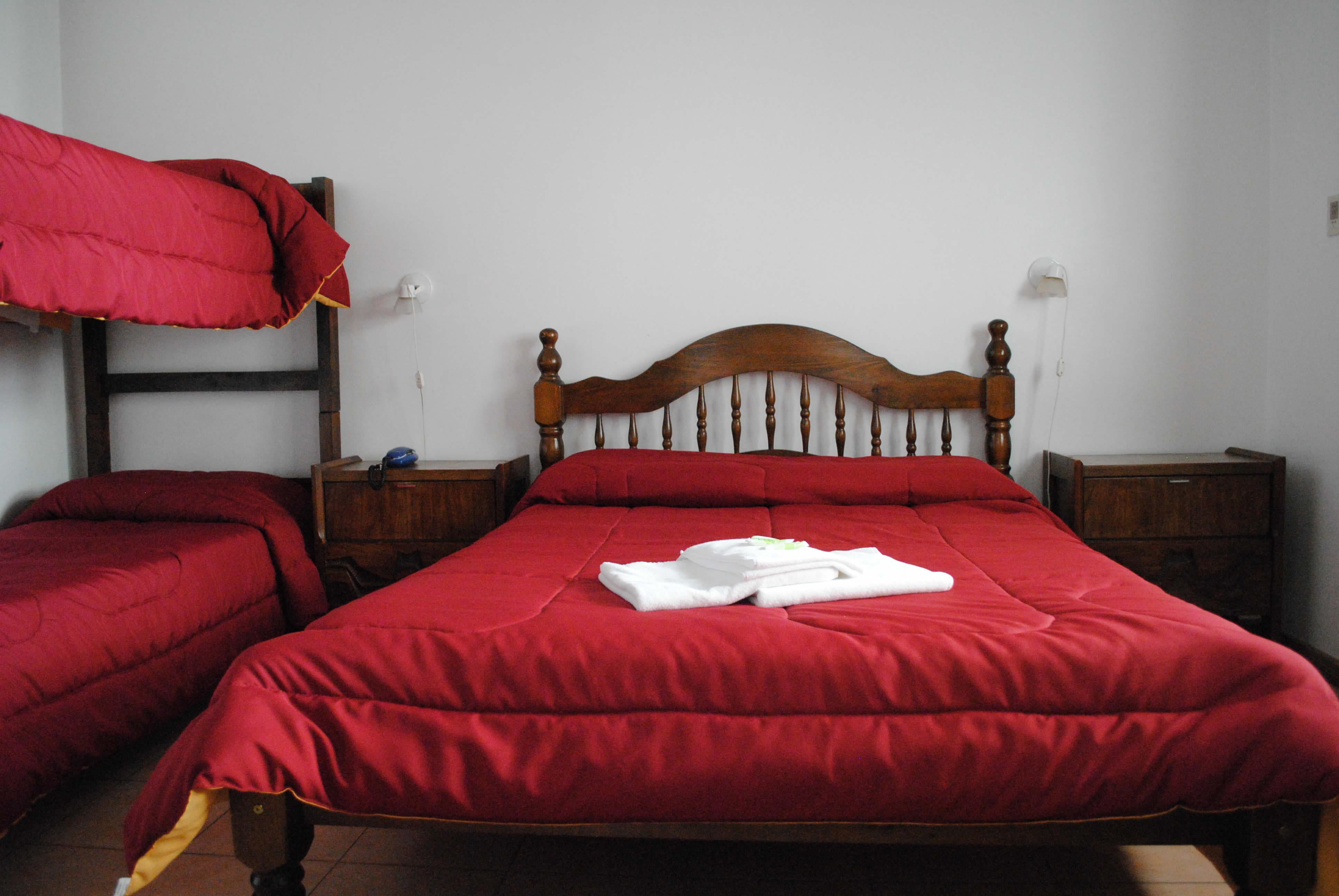 Habitaci n cuadruple hotel romi for Habitacion cuadruple